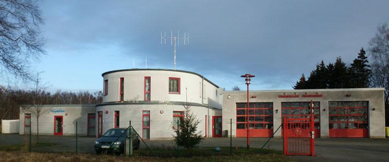 2002 Übergabe des neuen Gebäudes der Feuer- und Wasserwehr
