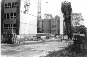 1983 - Bau der neuen Plattenbau-Schule